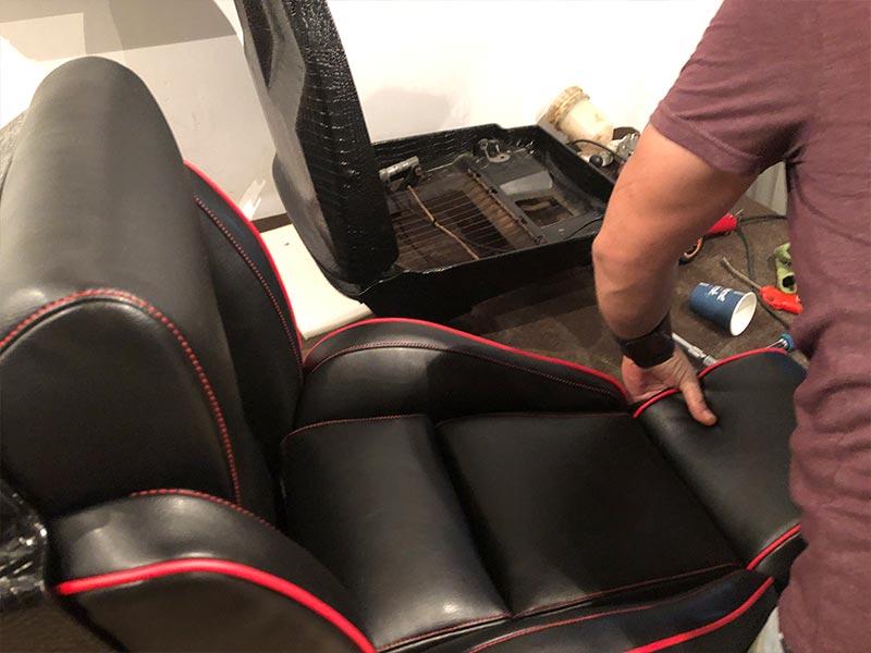 ידיים מלבישות ריפוד למושב רכב שחור